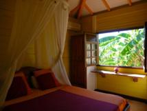 Chambre double de la villa Ptite Anse. © Valérie Rodné