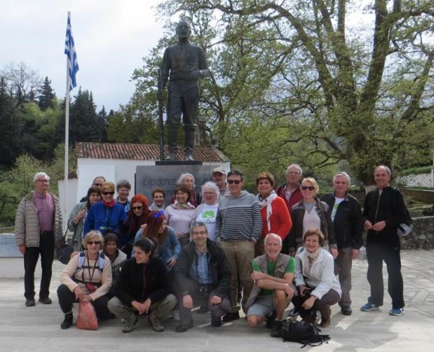 Une vingtaine de seniors français découvrent « autrement » la Crète. Voyage organisé eu Ier au 8 avril 2016 - Photo DR
