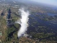 Les Chutes Victoria, 1.700 mètres de large et 108 mètres de haut !