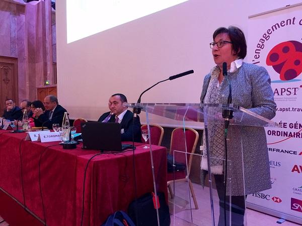 Martine Pinville, secrétaire d'État en charge du Commerce, de l'Artisanat, de la Consommation et de l'Économie Sociale et Solidaire, prononce le discours de clôture de l'AG de l'APST - Photo : J.D.L.