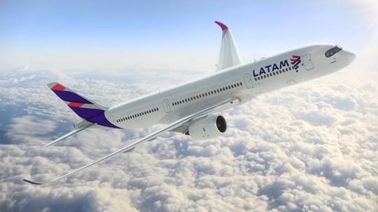 Le vol inaugural spécial du premier appareil avec les nouvelles couleurs de LATAM partira de Rio de Janeiro pour Genève le 1er mai 2016 - Photo : LATAM