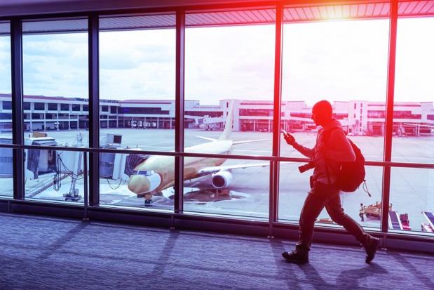 Les 3/4 des Français se connecteraient dans l'avion s'ils disposaient d'un accès Internet. Le wifi dans l'avion est d'ailleurs plus important pour eux qu'un bagage supplémentaire en cabine ! (c) akhenatonimages