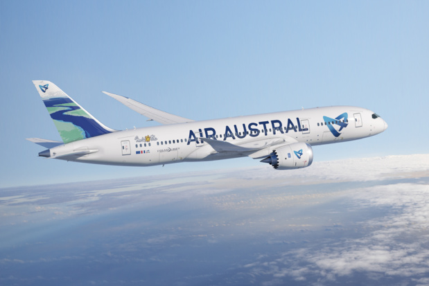 Le nouveau Boeing Dreamliner d'Air Austral a été peint aux couleurs du lagon de Mayotte. DR Air Austral