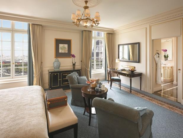 Chambre avec vue sur la tour Eiffel Shangri-La Hotel, Paris - Photo Shangri La