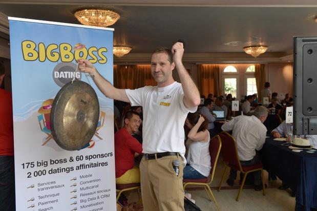 Hervé Bloch sonne le gong pour les Datings big boss / prestataires (c) DGTV