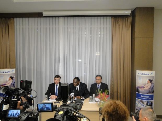 Antoine HUET Gaoussou TOURE Ministre transports Georges  SERRE ambassadeur France - Photo : C.H.