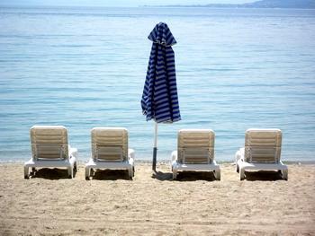 Vacances : Moins loin, moins longtemps et moins souvent cet été...
