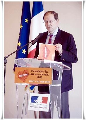 Hervé Novelli, lors des Assises du tourisme à Paris