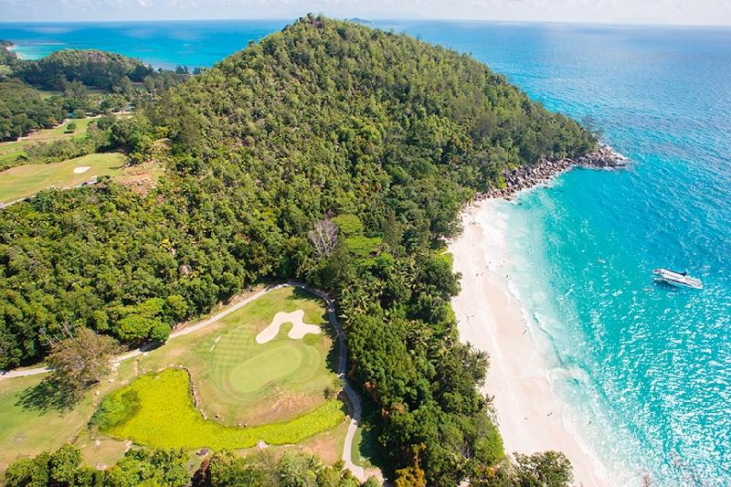 Ouvert en 1999, Constance Lémuria Seychelles est un des premiers hôtels 5 étoiles de l'archipel, sur la côte nord-ouest de Praslin - DR : Constance Hotels
