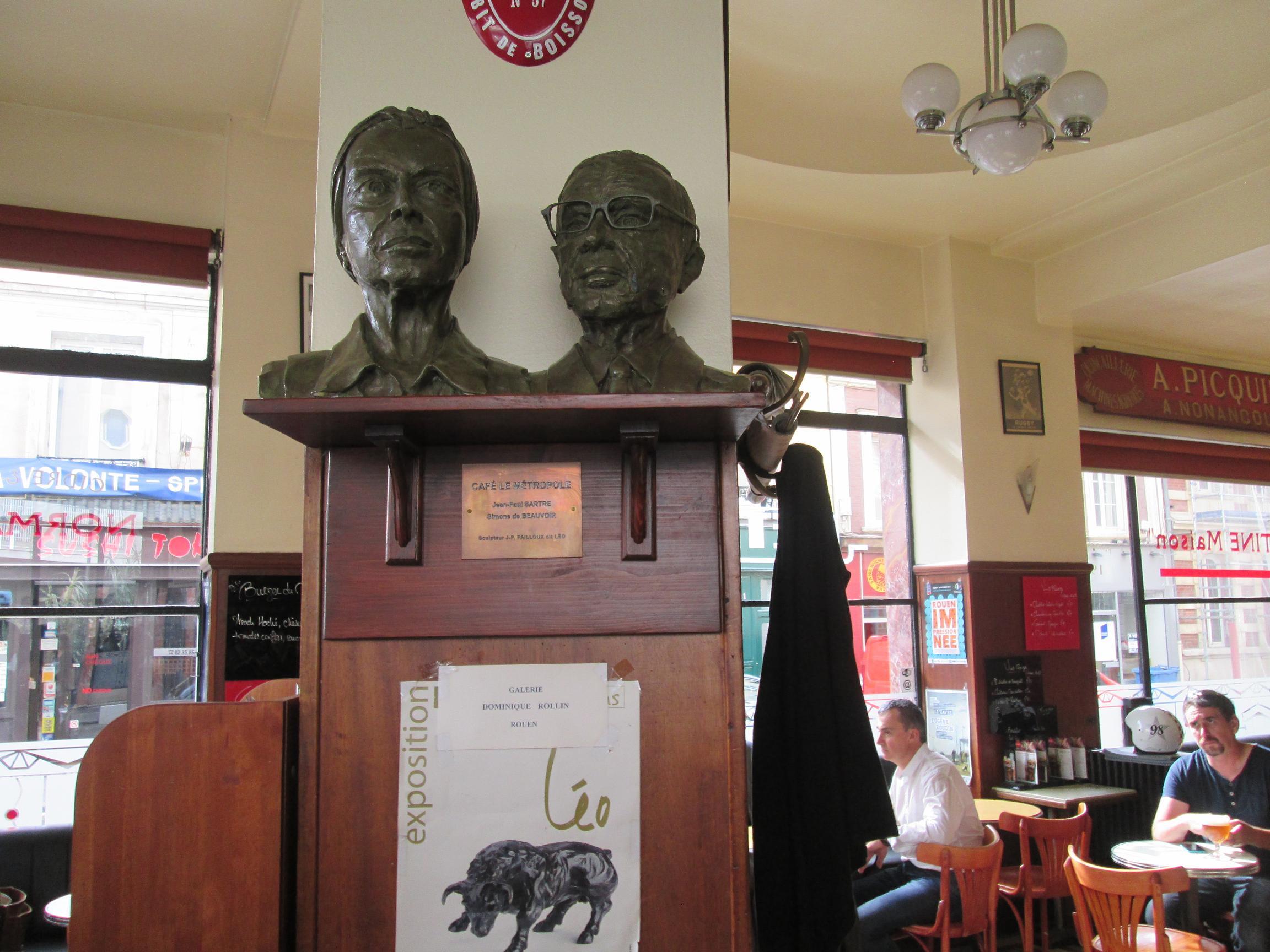 Le café Métropole devant la gare de Rouen. Simone de Beauvoir et Jean-Paul Sartre s'y retrouvaient. Photo MS.