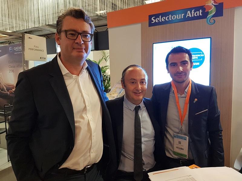 Laurent Maucort, le directeur général, Laurent Abitbol, président de la coopérative et Edouard Roux de Lusignan directeur marketing et digital de Selectour Afat sur le stand du réseau à l'IFTM Top Resa - Photo CE