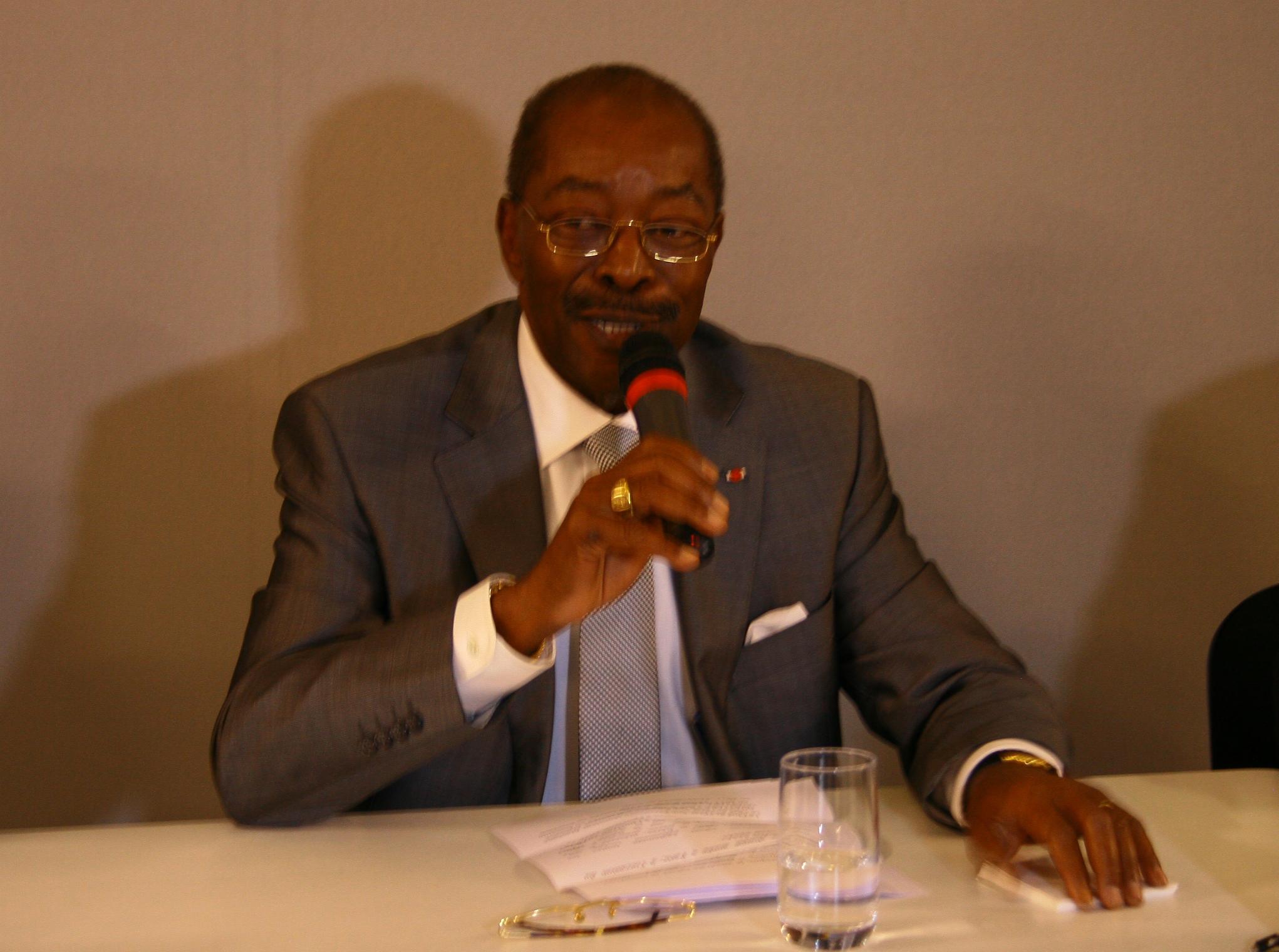 Roger Kacou, ministre du Tourisme de la Côte d'Ivoire, lors de sa conférence de presse sur le salon IFTM Top Résa 2016 – DR : HL