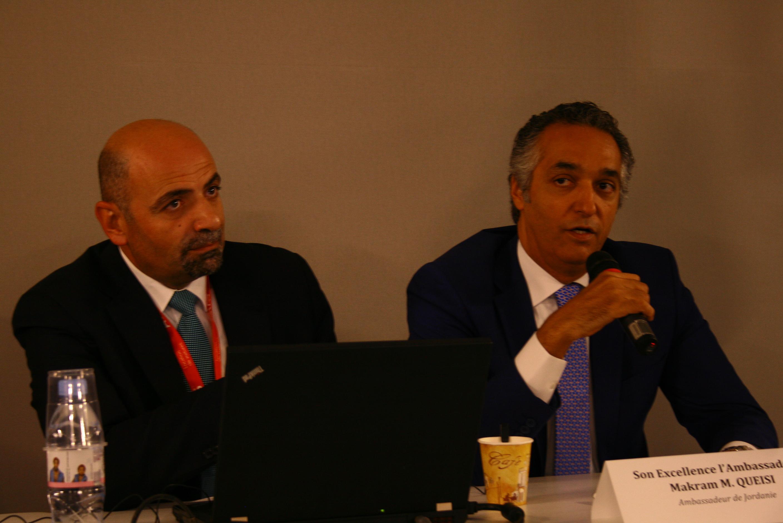 Conférence de presse Jordanie à l'IFTM Top Résa 2016. De gauche à droite, Dr Abed Al Razzaq Arabiyat, directeur de l'OT de Jordanie, et son excellence Makram M. Queisi, ambassadeur de Jordanie. DR - HL