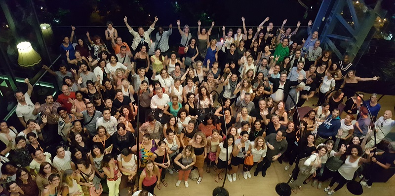 """Photo souvenir lors de la dernière soirée """"rooftop"""" des Forces de ventes, au 29e étage du So Sofitel Bangkok - DR : A.B."""