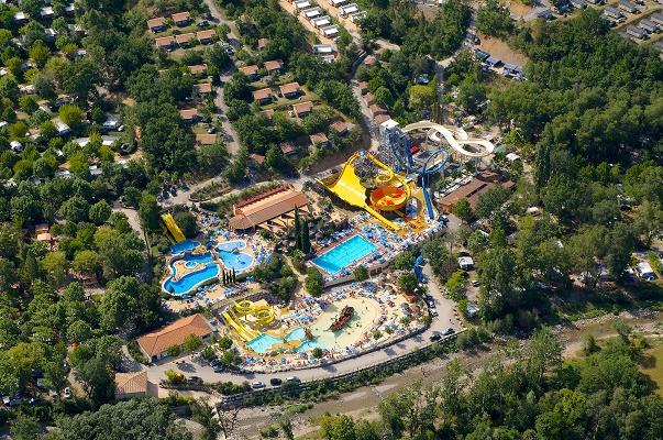 Le camping 5 étoiles Le Pommier, en Ardèche, accueille un parc aquatique de plus de 12 000 m² - Photo : Ciela Village