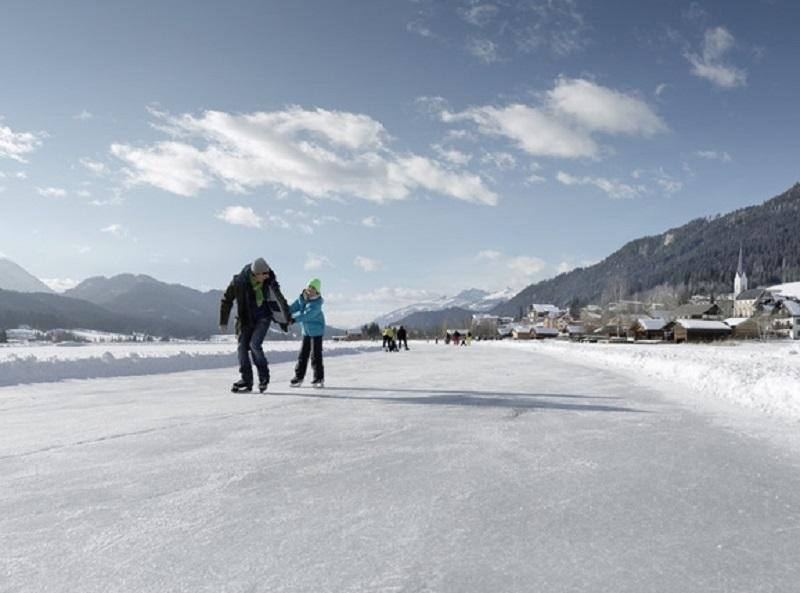 Constituée de hauts sommets et de vallées, l'Autriche «condamne» les habitants à chausser les skis dès leur plus jeune âge - DR : Österreich Werbung, Peter Burgstaller