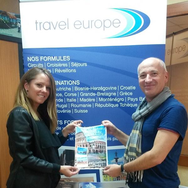 Cindy Pitaval de l'agence Just Voyages et Nicolas Momus, attaché commercial sur la région. DR
