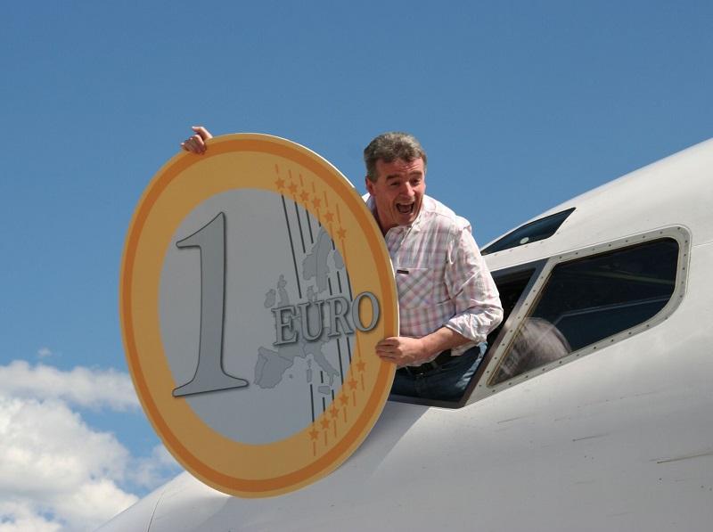 """Michael O'Leary n'hésite pas à annoncer que les """"aéroports deviennent des centres commerciaux si rentables qu'ils pourront d'ici 5 à 10 ans supprimer les taxes imposées aux compagnies aériennes !"""" - DR"""