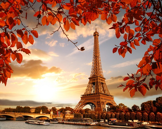 The terrorist attacks seriously impacted tourism in France during summer 2016 - Photo : samott-Fotolia.com