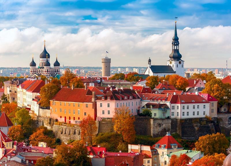 Tallinn (Estonie) fait partie des villes incontournables du circuit dans les Pays Baltes © KavalenkavaVolha - Fotolia.com