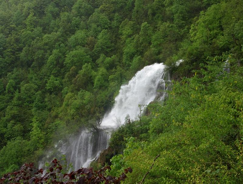 Gorges, falaises, grottes, cascades, forets d'altitude, prairies d'alpages, hameaux perdus, routes du vertige façonnent le Vercors - DR : J.-F.R.