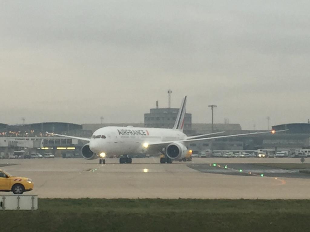 Le nouveau B787 d'Air France vient de se poser ce vendredi 2 décembre à Paris - CDG -Photo C. Hardin