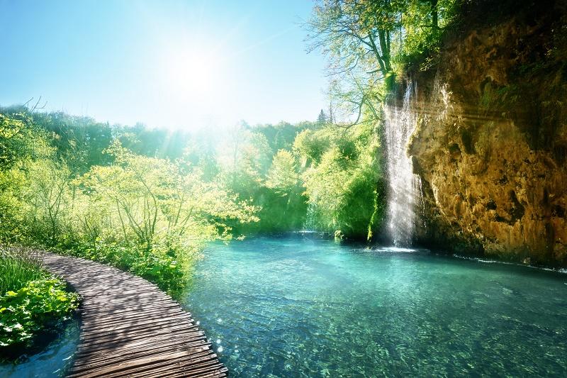 Lac dans la forêt Croatia, Plitvice © Iakov Kalinin Fotolia