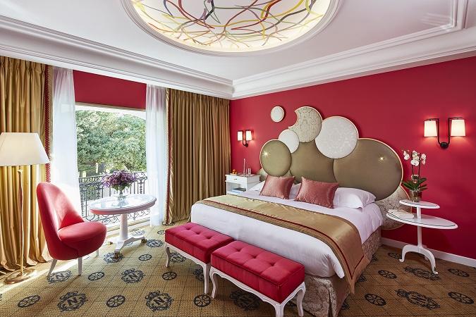 Les chambres rénovées de l'aile Rivoli du Negresco mêlent classique et touches contemporaines - Photo : Le Negresco