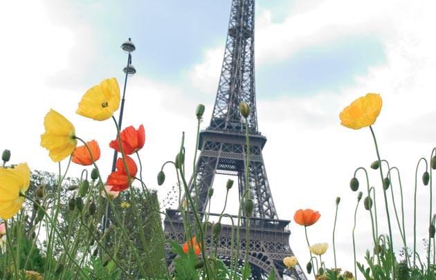 Tourists were fewer in Paris in 2016