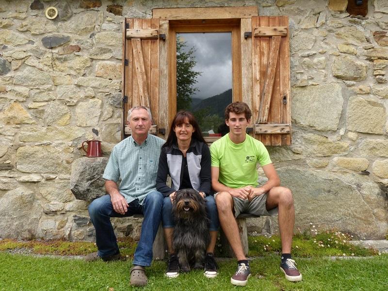 Le 1er prix, avec une moyenne générale de 9,28/10 (toutes catégories confondues), est décerné au couple Joëlle et Yves Lanne du Camping Azun Nature à Aucun dans les Hautes-Pyrénées (65). - DR Camping Azun Nature