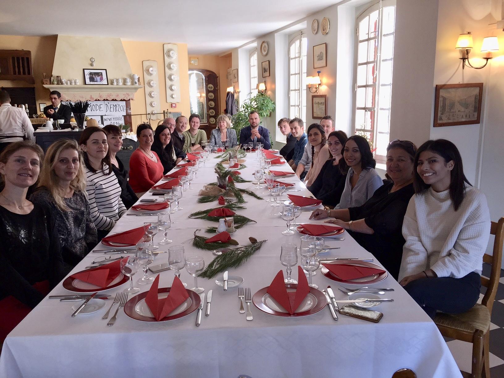 Une partie de l'équipe de TourMaG.com lors du repas de Noël au restaurant du Musée de Château Gombert à Marseille