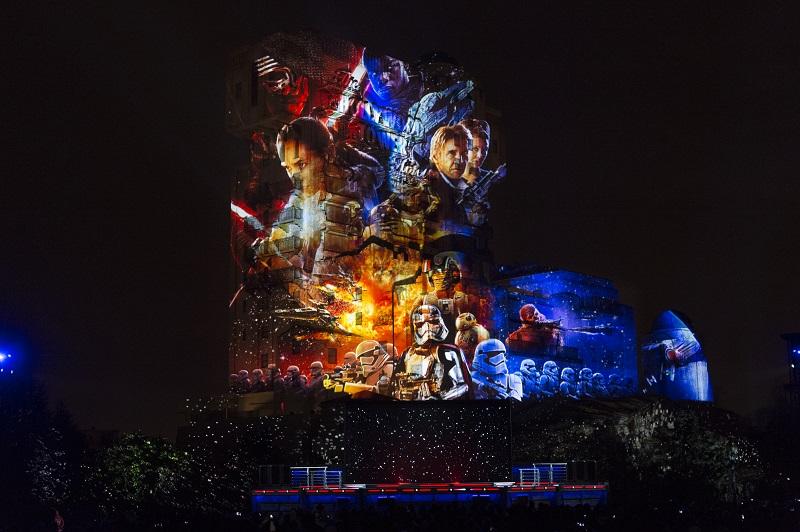 """Le son et lumière """"Star Wars : La Célébration Galactique"""" - Photo DR"""