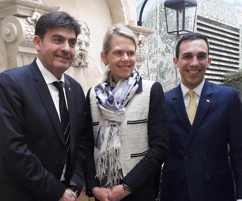 Le MICE est à l'ordre du jour. Ici, à l'issue du point presse, Annika Gummesson, DG Costa France, entourée par Georges Azouze, président de Costa France et Massimo Tedesco, directeur MICE - DR : M.S.