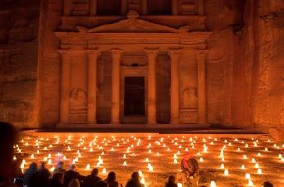 Petra de nuit - Photo OFFICE DE TOURISME DE JORDANIE