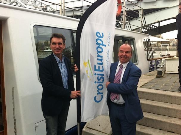 Axel Araszkiewicz, responsable communication ainsi qu'Eric Collange, directeur commercial France de Croisieurope - DR