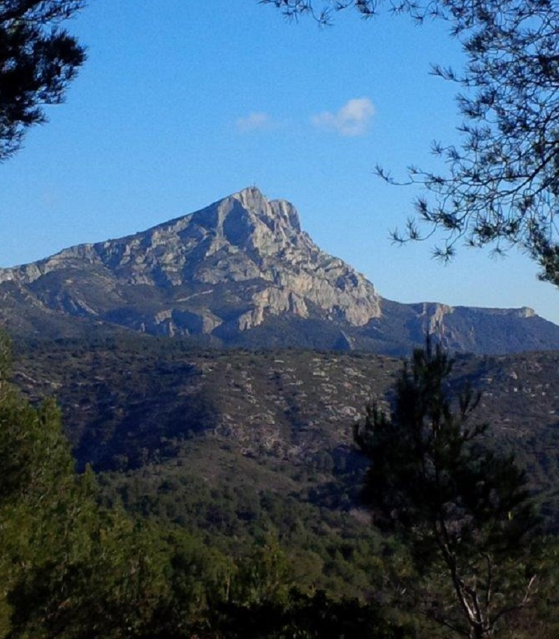 Montagne Sainte Victoire/ @AR