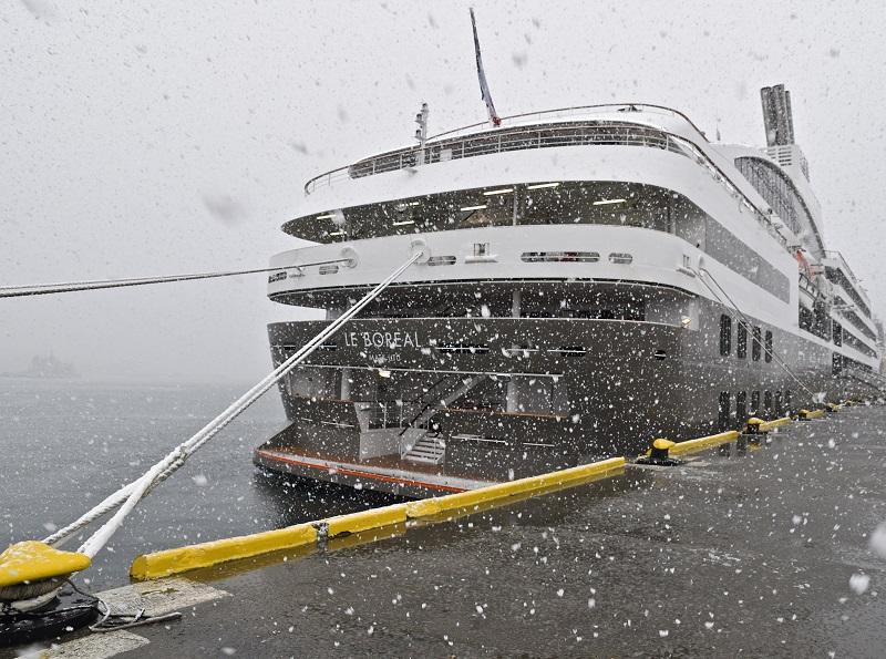C'est sous une tempête de neige que démarre la croisière à bord du Boréal - DR : C. Pérot