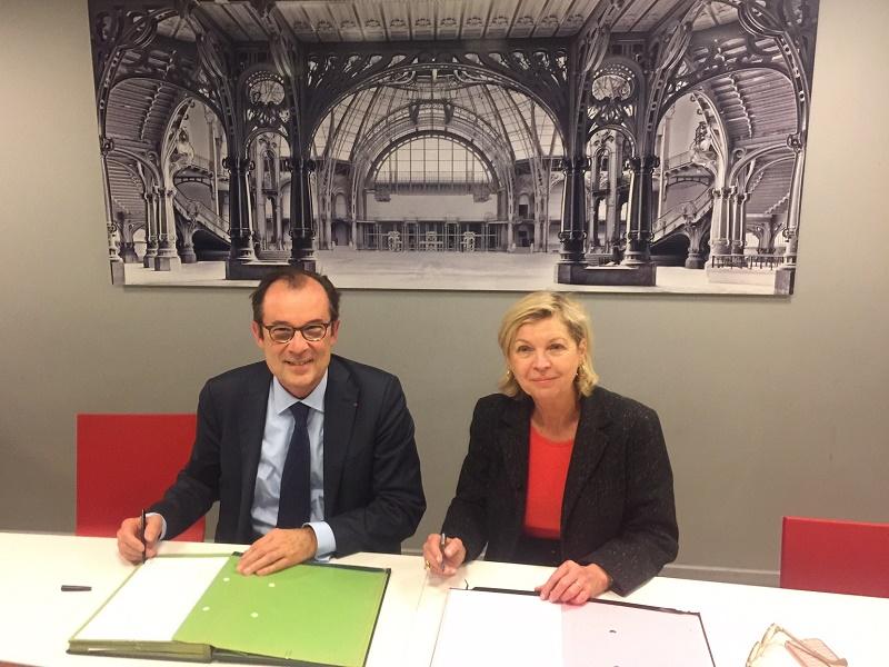 Christian Mantéi, directeur général d'Atout France et Sylvie Hubac, présidente de la RMN - Grand Palais lors de la signature du partenariat - DR : Atout France