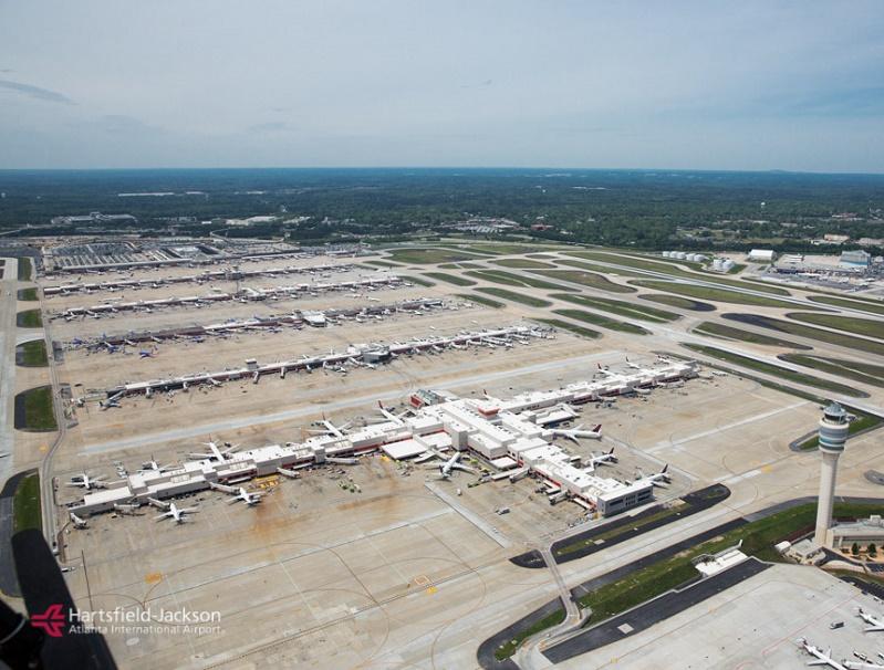 Le phénomène du hub s'est répandu d'abord aux Etats-Unis, où le plus gros hub mondial reste Atlanta (photo), avant de venir en Europe - DR : Hartsfield-Jackson Atlanta International Airport