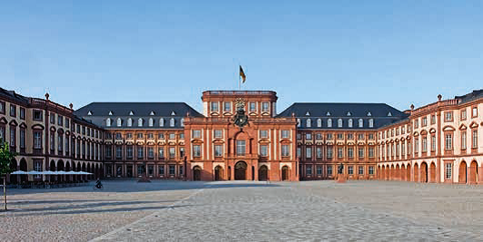 Le château de Mannheim, le plus grand château de style baroque jamais construit en Allemagne, et le 2e après le château de Versailles - Photo : ONAT