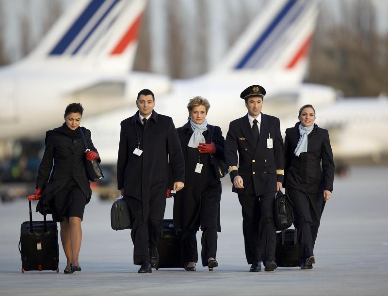 Même si cette stratégie est indispensable au renouveau d'Air France, il parait assez maladroit de céder sur toutes les exigences des pilotes et faire reposer l'ensemble des économies, tant en productivité qu'en salaires, sur les seules épaules des PNC - DR : Laurent Masson / AF