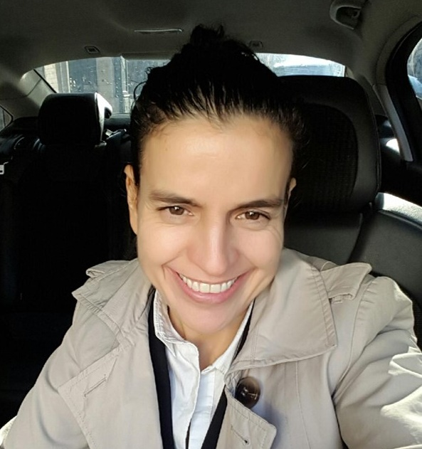 Fatima Bekkouche est conductrice de VTC depuis 2015 - Photo : DR