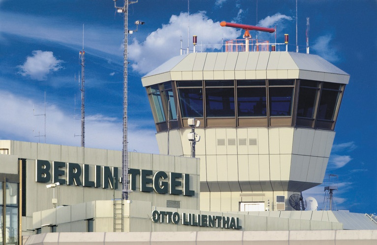 DR : Tegel Airport