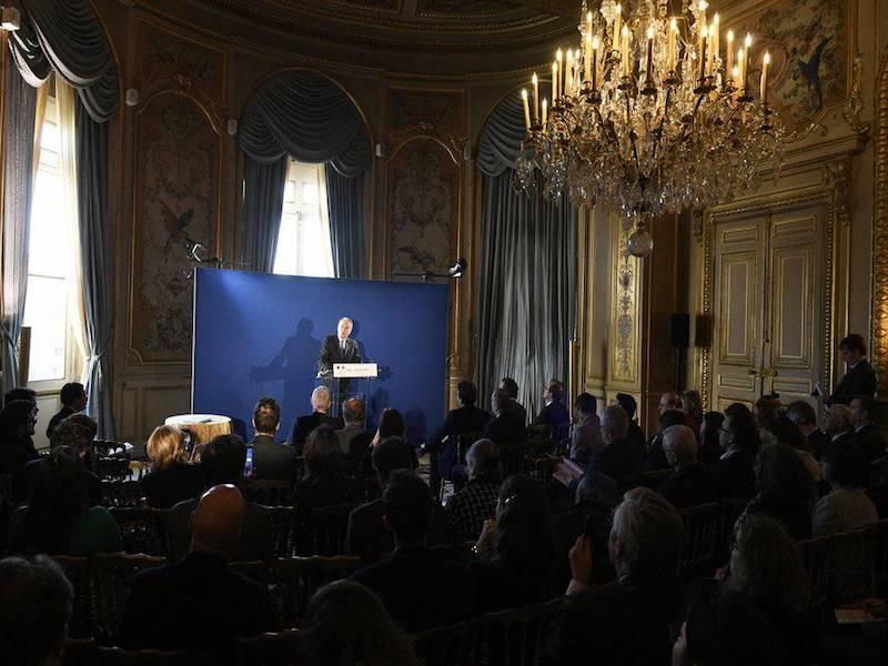 Remise du rapport de Martin Malvy à Jean-Marc Ayrault, mardi 14 mars au Quai d'Orsay. © DR Cyril Bailleul