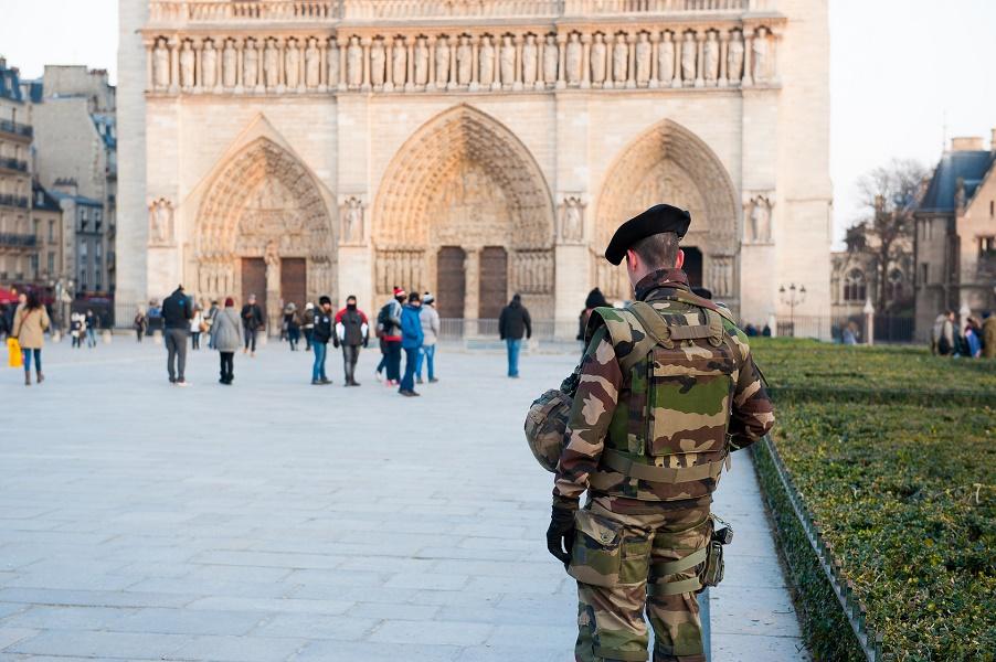 Les conditions sont réunies pour mettre fin à l'état d'urgence en France selon Jean-Jacques Urvoas - Photo : raresgud-Fotolia.com