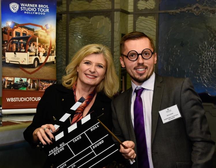 Murielle Nouchy de mN 'Organisation, représentant en France Visit California et Los Angeles Tourism & Convention Board, avec Denis Zyuzin, Warner Bros. Studio Tour Hollywood - DR