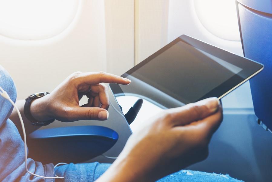 Les passagers en provenance de 8 pays du Moyen-Orient n'ont plus le droit de transporter des appareils électroniques en cabine quand ils voyagent vers les USA - Photo : maria_savenko - Fotolia.com