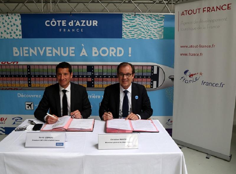 Le 21 mars 2017, David Lisnard, président du CRT Côte d'Azur et Christian Mantei, directeur général d'Atout France signent un partenariat pour relancer la destination Côte d'Azur sur les marchés internationaux. DR: CRT Côte d'Azur France