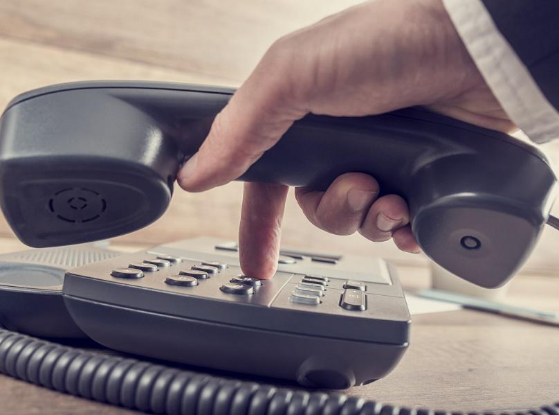 Les appels aux centres d'assistance téléphonique des tour-opérateurs qui utilisent des numéros payants coûtent plusieurs milliers d'euros par an aux agences de voyages en France - Photo : Gajus-Fotolia.com