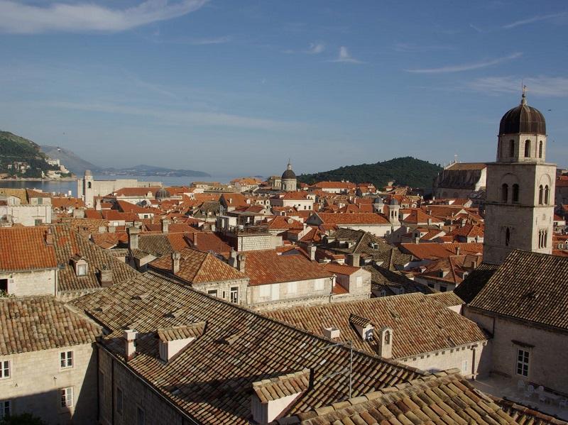 Avec 1 800 km de côtes, 1 200 îles, des vieilles villes à l'architecture splendide, la Croatie dispose d'immenses atouts - DR : J.-F.R.